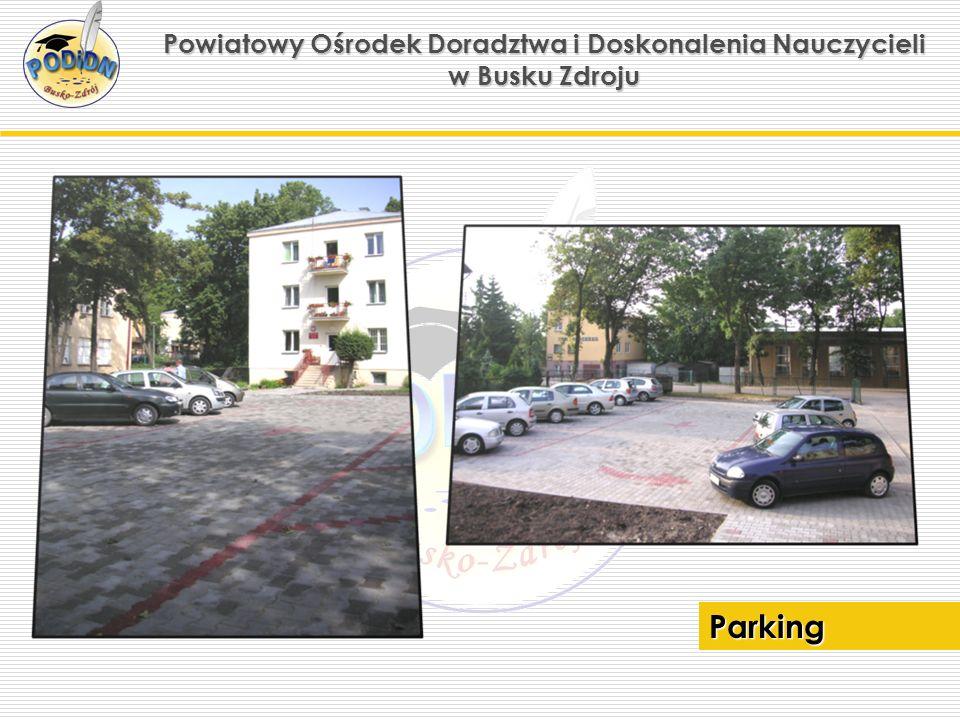 Powiatowy Ośrodek Doradztwa i Doskonalenia Nauczycieli w Busku Zdroju Parking