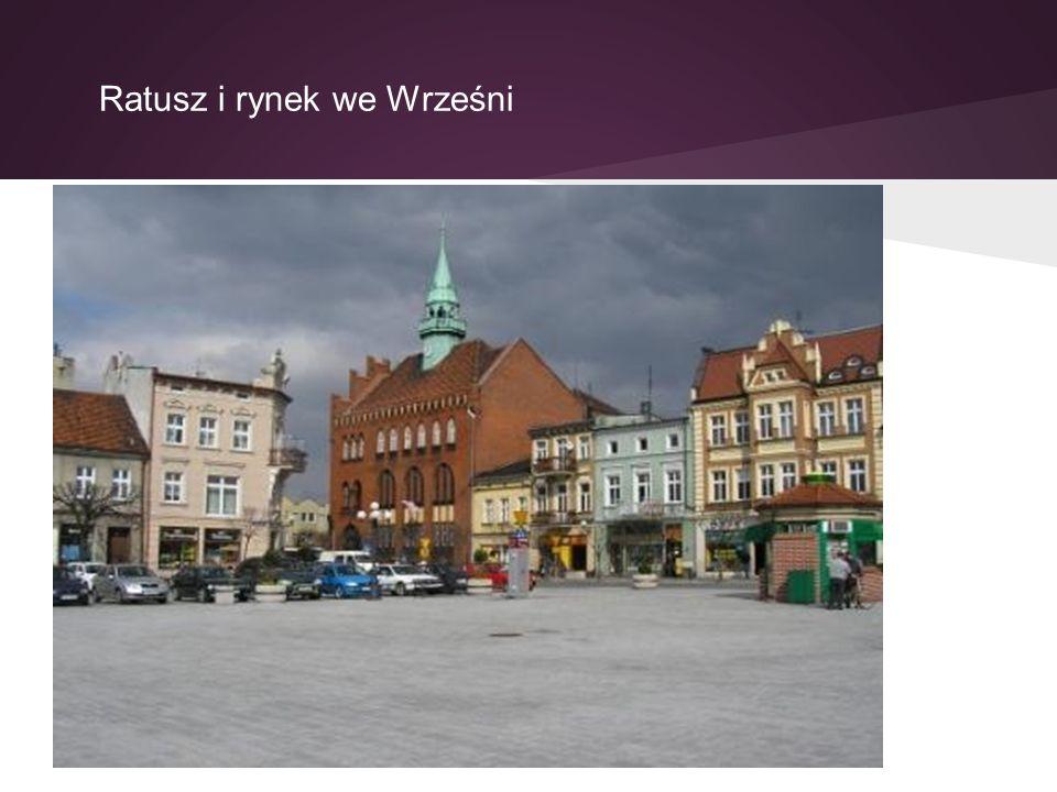 Ratusz i rynek we Wrześni