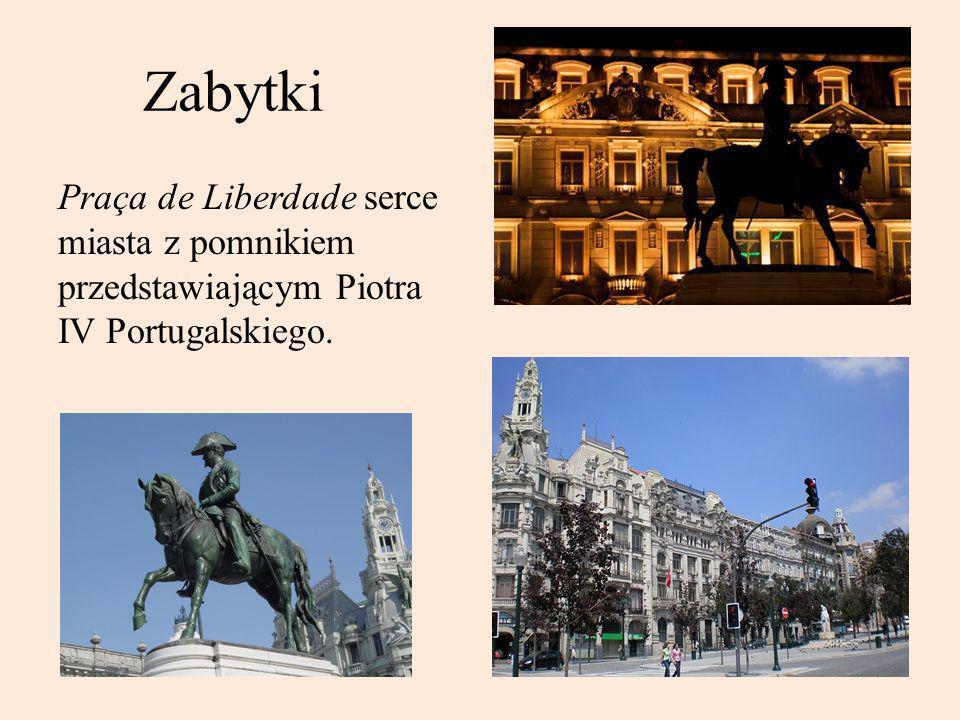 Zabytki Praça de Liberdade serce miasta z pomnikiem przedstawiającym Piotra IV Portugalskiego.