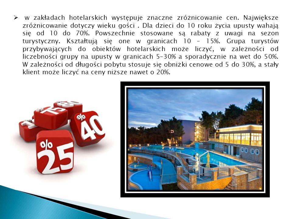 w zakładach hotelarskich występuje znaczne zróżnicowanie cen.