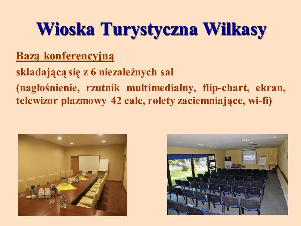 Wioska Turystyczna Wilkasy Bazą konferencyjną składającą się z 6 niezależnych sal (nagłośnienie, rzutnik multimedialny, flip-chart, ekran, telewizor p