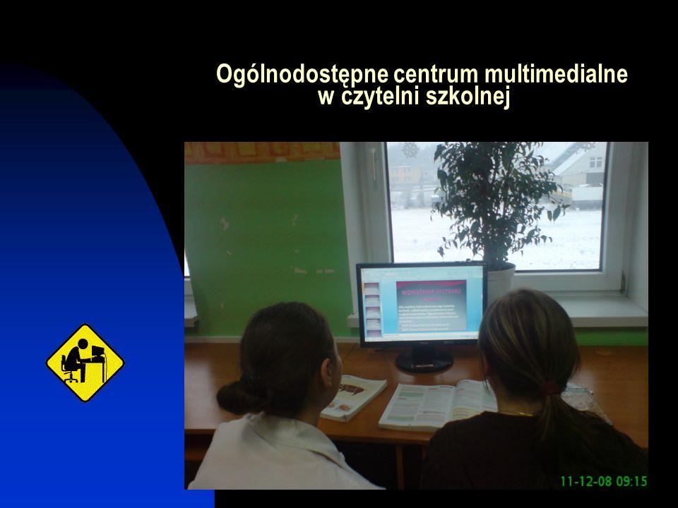 Ogólnodostępne centrum multimedialne w czytelni szkolnej