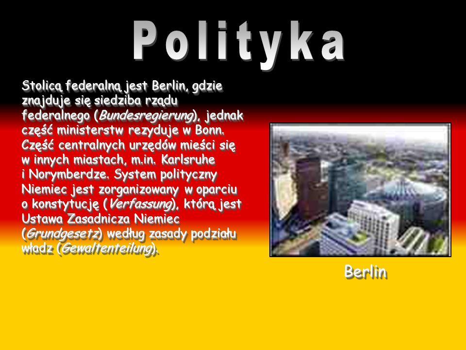 Stolicą federalną jest Berlin, gdzie znajduje się siedziba rządu federalnego (Bundesregierung), jednak część ministerstw rezyduje w Bonn. Część centra