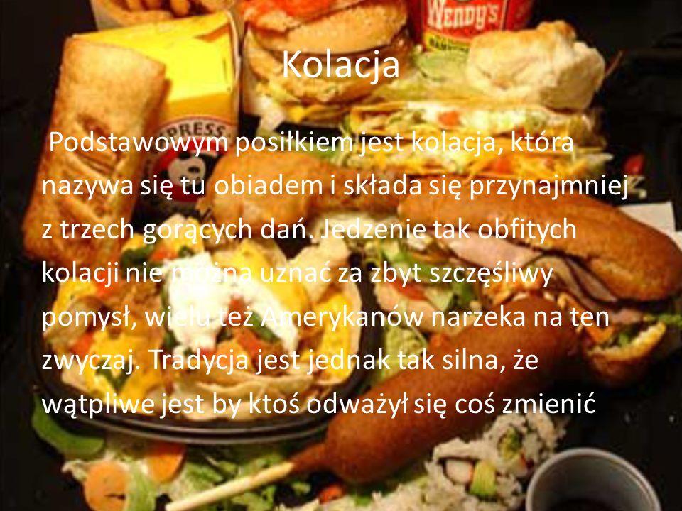 Kolacja Podstawowym posiłkiem jest kolacja, która nazywa się tu obiadem i składa się przynajmniej z trzech gorących dań. Jedzenie tak obfitych kolacji