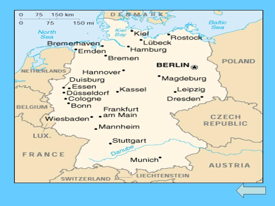 Berlin 1. Brama Brandenburska 2. Zamek Charlottenburg 3. Park i zamek Sanssouci 12 3