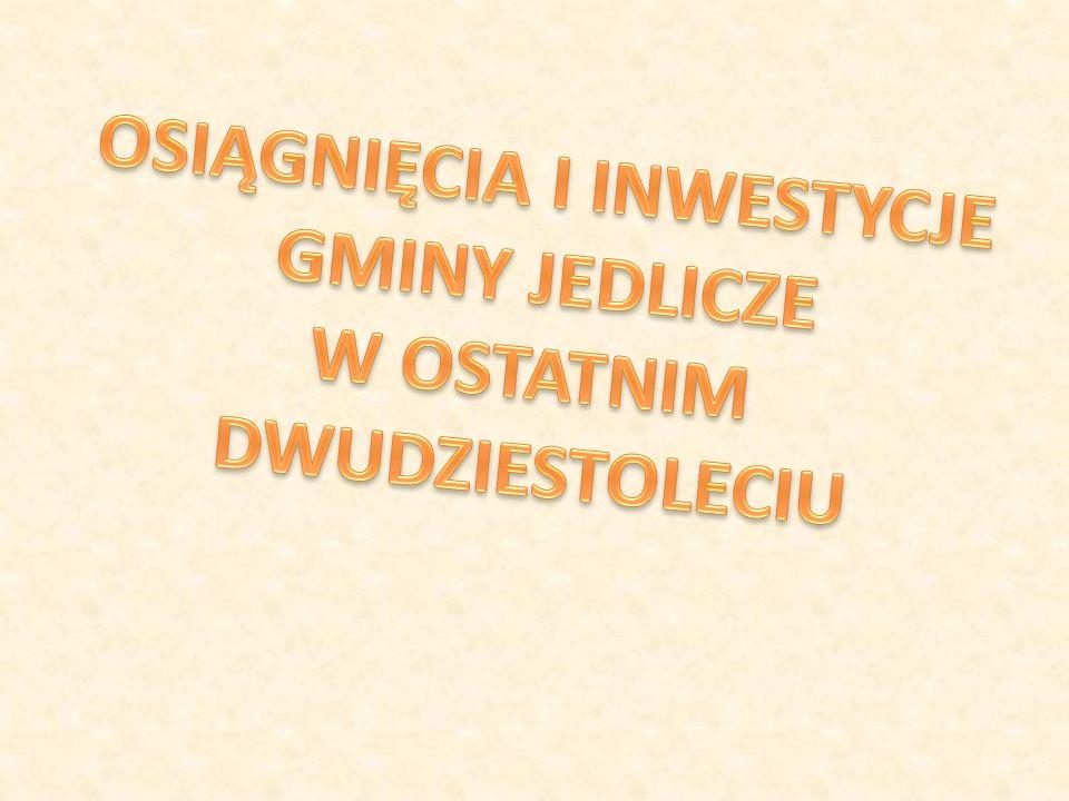 - Jest pani zadowolona z obecnych inwestycji władz gminy .