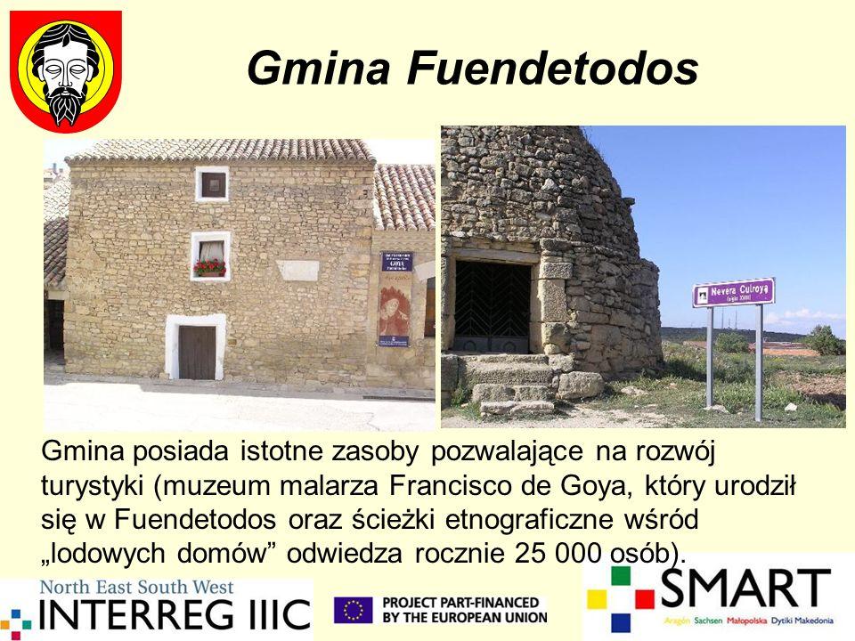 Gmina Fuendetodos Gmina posiada istotne zasoby pozwalające na rozwój turystyki (muzeum malarza Francisco de Goya, który urodził się w Fuendetodos oraz