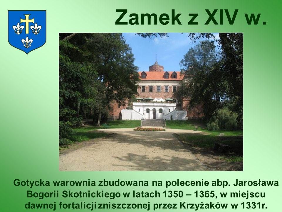 Zamek z XIV w. Gotycka warownia zbudowana na polecenie abp. Jarosława Bogorii Skotnickiego w latach 1350 – 1365, w miejscu dawnej fortalicji zniszczon