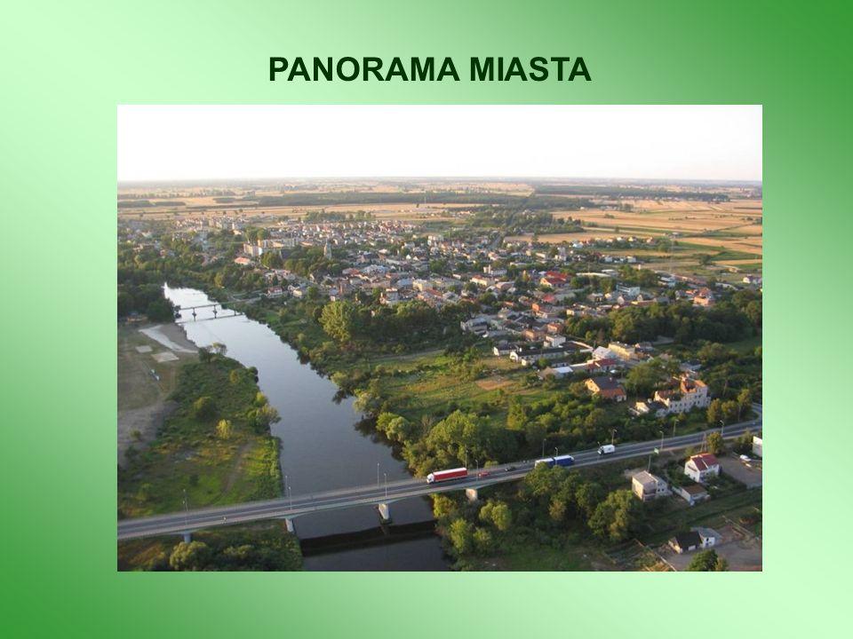 Rozbudowa infrastruktury technicznej na terenie zespołu zamkowo – parkowego obejmuje: 1.