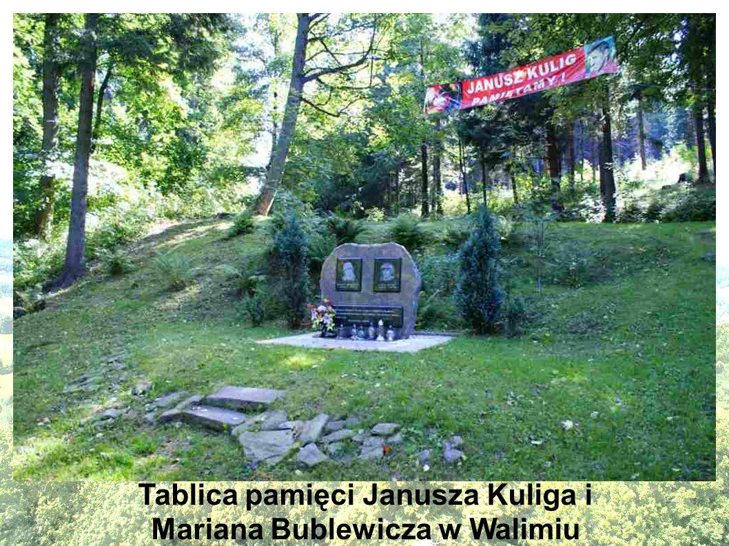 Tablica pamięci Janusza Kuliga i Mariana Bublewicza w Walimiu