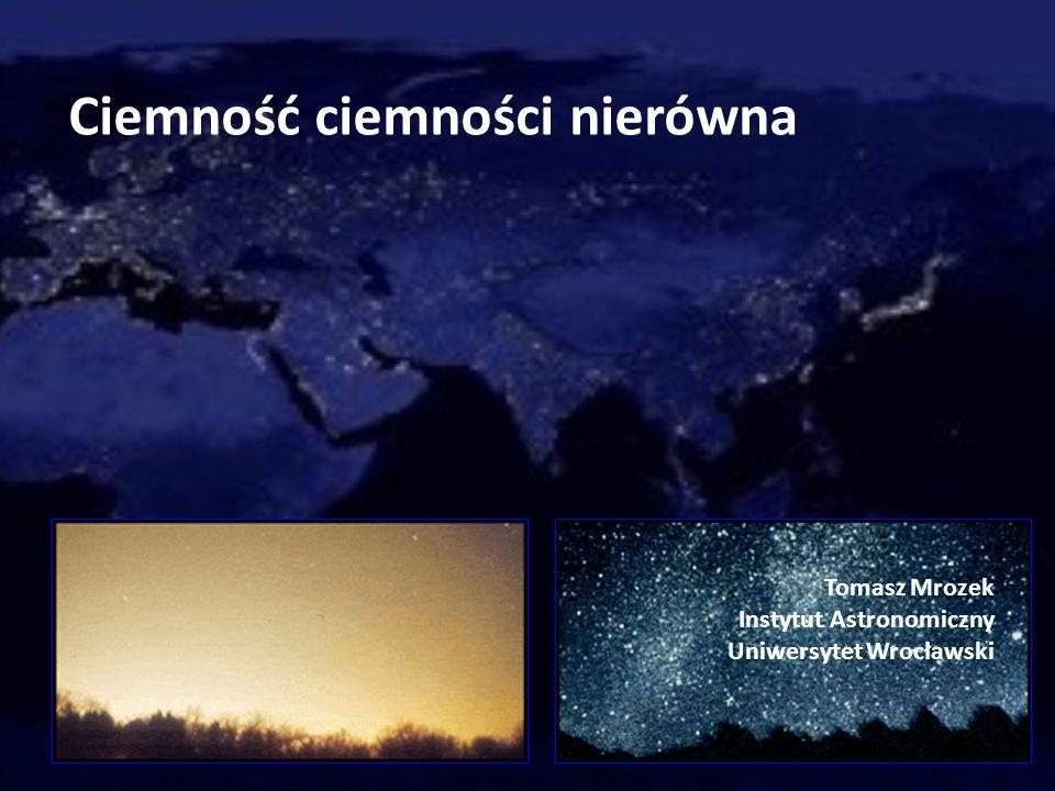 Zdjęcia satelitarne dostarczają informacji o strumieniu światła wyświecanym przez oświetlenie zewnętrzne bezpośrednio w niebo lub odbijanym do góry przez oświetlane powierzchnie.