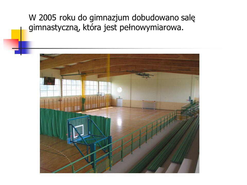 W 2005 roku do gimnazjum dobudowano salę gimnastyczną, która jest pełnowymiarowa.