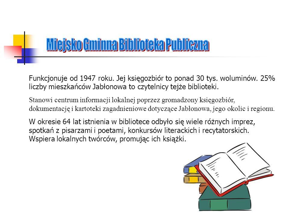 Funkcjonuje od 1947 roku. Jej księgozbiór to ponad 30 tys. woluminów. 25% liczby mieszkańców Jabłonowa to czytelnicy tejże biblioteki. Stanowi centrum
