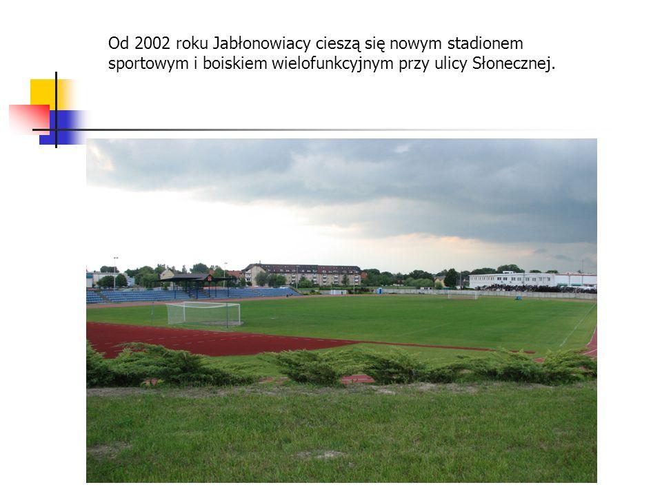 Od 2002 roku Jabłonowiacy cieszą się nowym stadionem sportowym i boiskiem wielofunkcyjnym przy ulicy Słonecznej.