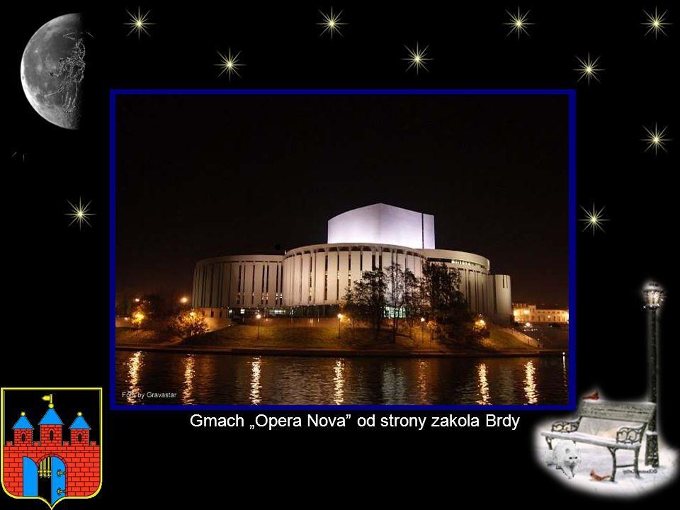 Okazała budowla - Opera Nova