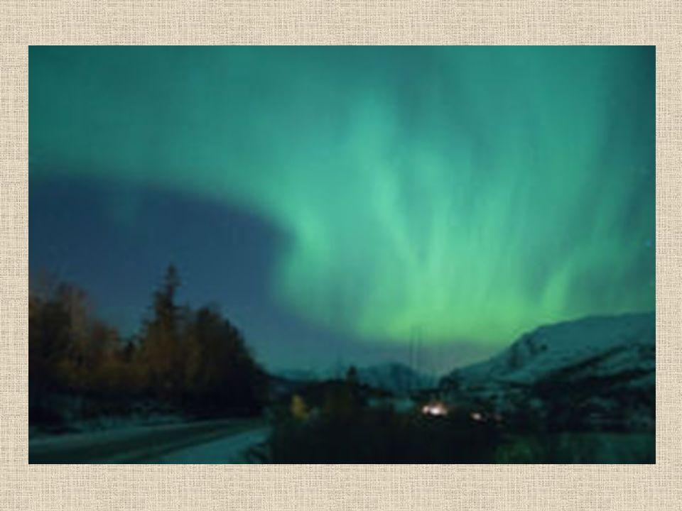 Zorza Polarna zjawisko świetlne obserwowane na wysokich szerokościach geograficznych, występuje głównie za kołem podbiegunowym chociaż w sprzyjających