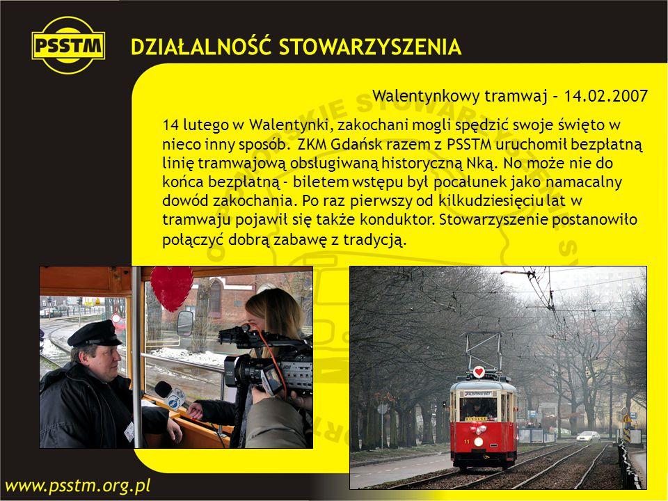 Walentynkowy tramwaj – 14.02.2007 14 lutego w Walentynki, zakochani mogli spędzić swoje święto w nieco inny sposób. ZKM Gdańsk razem z PSSTM uruchomił