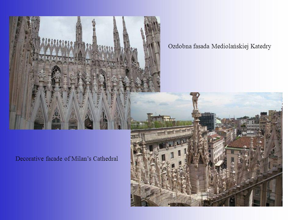 Ozdobna fasada Mediolańskiej Katedry Decorative facade of Milans Cathedral