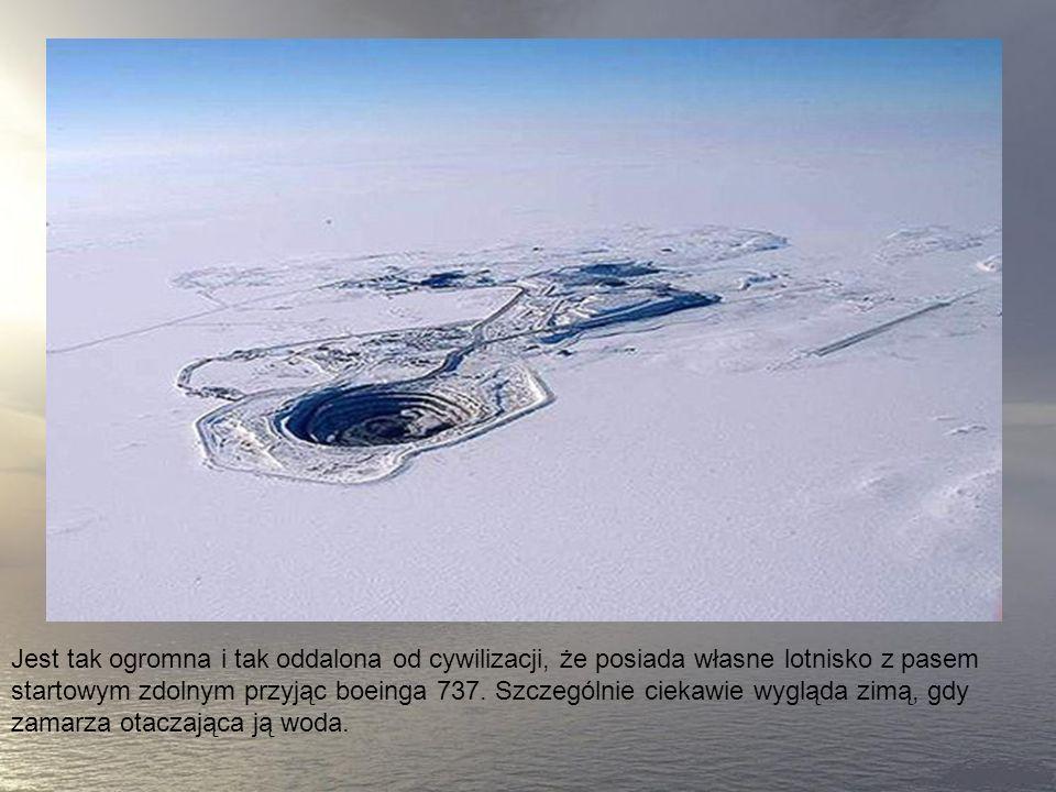 6. Kopalnia Diavik w Kanadzie Ta niesamowita kopalnia leży 300 kilometrów na północny wschód od Yellowknife w Kanadzie.