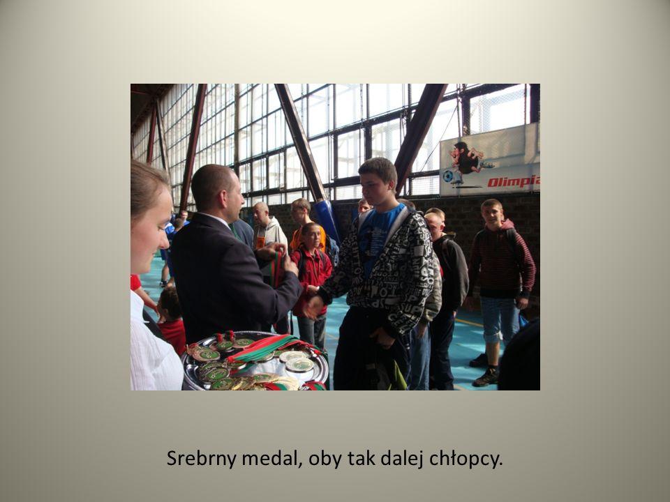 Srebrny medal, oby tak dalej chłopcy.