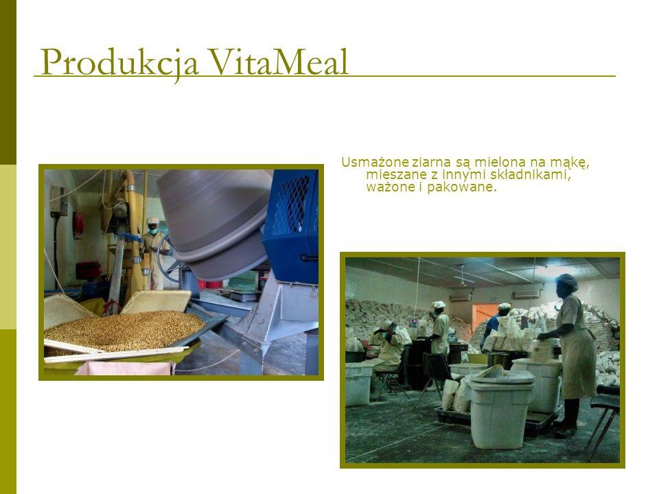 Usmażone ziarna są mielona na mąkę, mieszane z innymi składnikami, ważone i pakowane. Produkcja VitaMeal
