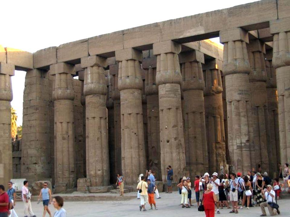 Dziedziniec Amenhotepa III