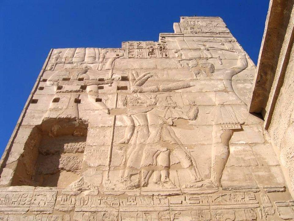 Medinat Habu Świątynia Ramzesa III