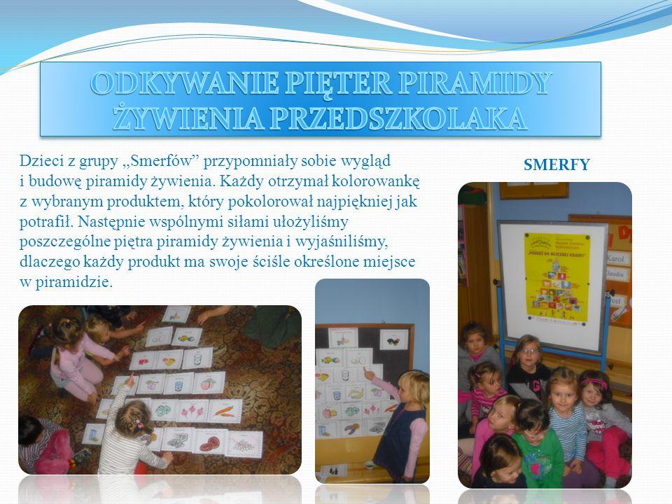 Dzieci z grupy Smerfów przypomniały sobie wygląd i budowę piramidy żywienia. Każdy otrzymał kolorowankę z wybranym produktem, który pokolorował najpię