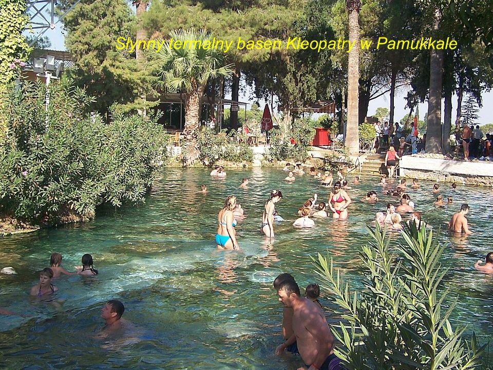 Słynny termalny basen Kleopatry w Pamukkale