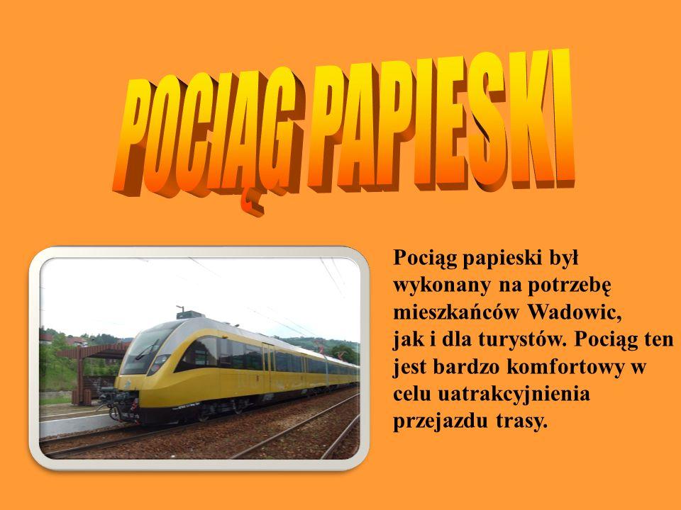 Pociąg papieski był wykonany na potrzebę mieszkańców Wadowic, jak i dla turystów. Pociąg ten jest bardzo komfortowy w celu uatrakcyjnienia przejazdu t