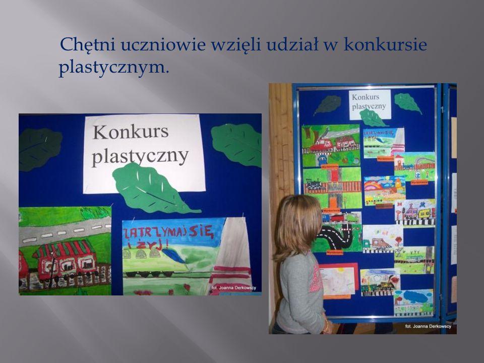 Chętni uczniowie wzięli udział w konkursie plastycznym.