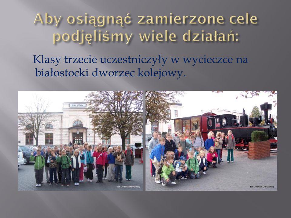 Klasy trzecie uczestniczyły w wycieczce na białostocki dworzec kolejowy.