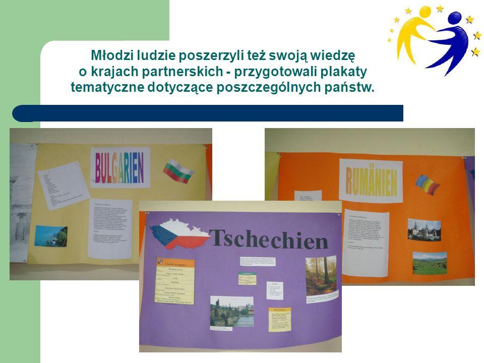 Młodzi ludzie poszerzyli też swoją wiedzę o krajach partnerskich - przygotowali plakaty tematyczne dotyczące poszczególnych państw.