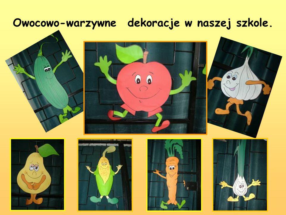 Owocowo-warzywne dekoracje w naszej szkole.