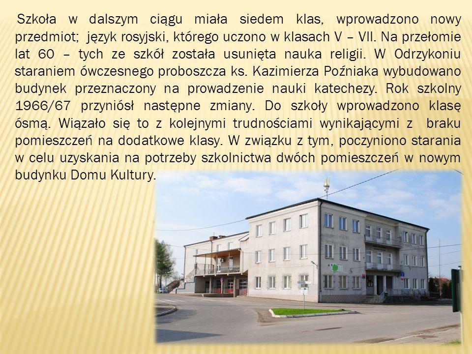 Szkoła w dalszym ciągu miała siedem klas, wprowadzono nowy przedmiot; język rosyjski, którego uczono w klasach V – VII. Na przełomie lat 60 – tych ze