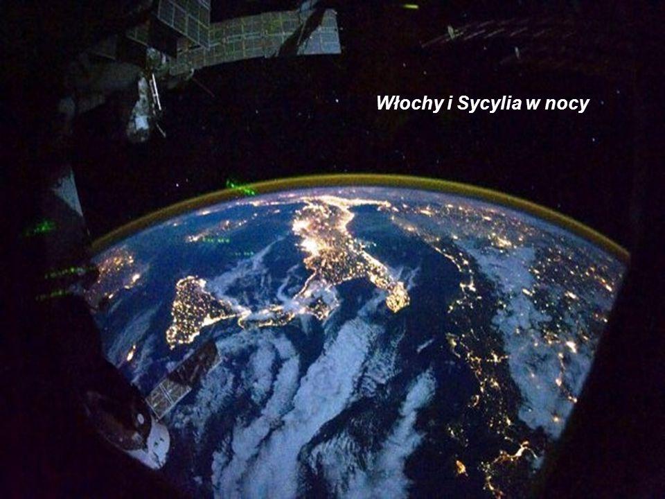 Pogranicze Francji i Włoch w świetle księżyca
