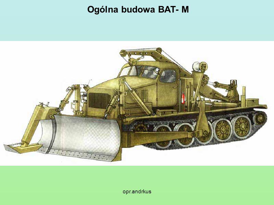 Zasadnicze dane taktyczno-techniczne BAT- M Baza spycharki - ciągnik artyleryjski ATT Maksymalna szerokość robocza - przy spycharkowym położeniu organu roboczego - 5,0 m - przy dwuskrzydłowym położeniu organu roboczego - 4,5 m - przy równiarkowym położeniu organu roboczego - 4,0 m Wydajność a) przy urządzaniu drogi na przełaj w krzakach i zagajnikach - 4 - 8 km/h b) podczas odśnieżania przy grubości warstwy śniegu do 1m - 8 - 10 km/h c) przy wykonywaniu przejść przez rowy przeciwpancerne o głębokości do 5 m - 3 - 5 przejść / h Ogólny ciężar spycharki - 27,5 t w położeniu transportowym szerokość - 4,5 m długość - 7,05 m wysokość - 3,75 m w położeniu roboczym maksymalna szerokość - 5,0 m minimalna szerokość - 4,0 m długość z płozą - 10,5 m długość bez płozy - 9,4 m wysokość z wysięgnikiem dźwigu - 3,4 m Maksymalna szybkość transportowa - 35 km/h Maksymalny udźwig - 2 t Sterowanie osprzętem roboczym - elektrohydrauliczne Obsługa - 2 ludzi Czas przełożenia organu roboczego z położenia roboczego w położenie transportowe - 5 -7 min.