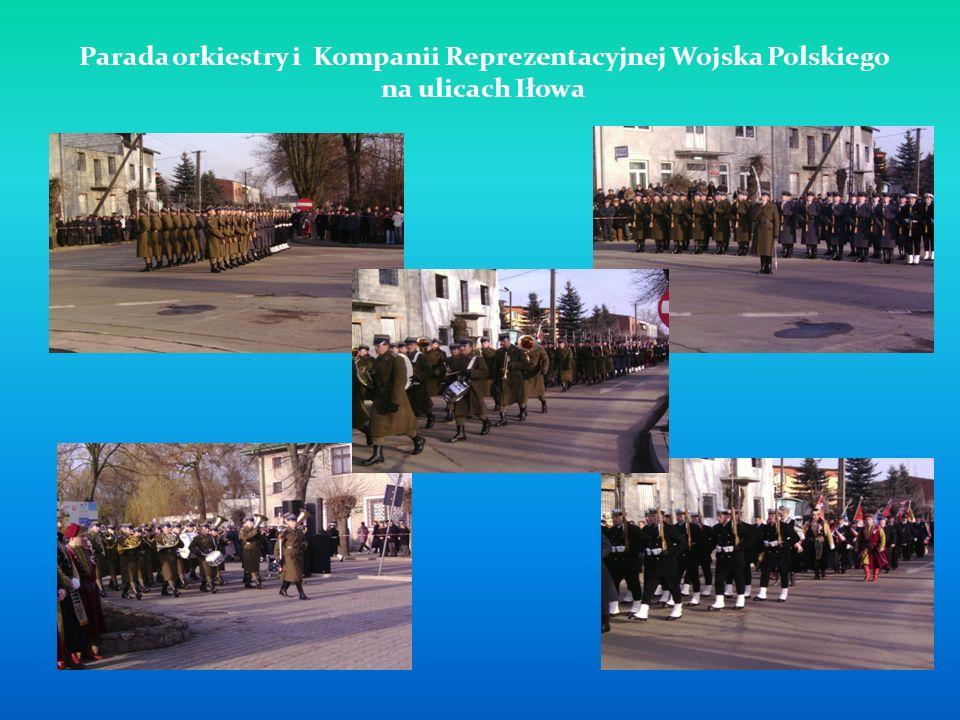 Parada orkiestry i Kompanii Reprezentacyjnej Wojska Polskiego na ulicach Iłowa