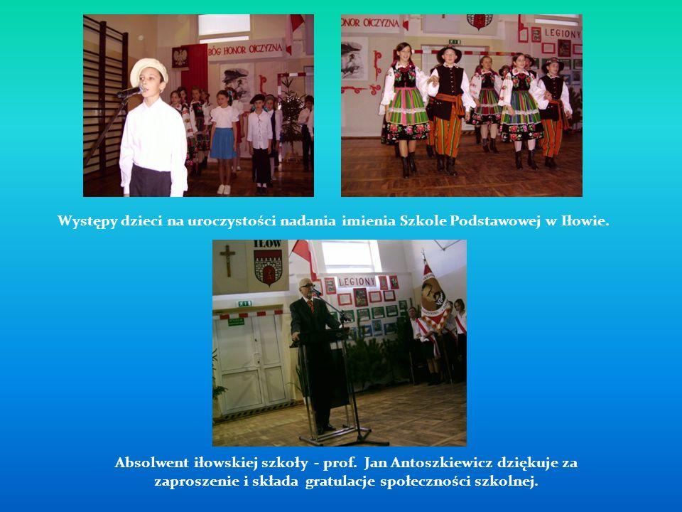 Występy dzieci na uroczystości nadania imienia Szkole Podstawowej w Iłowie.