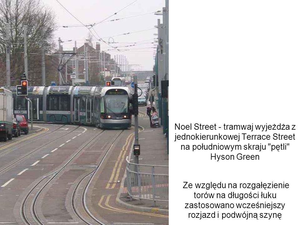 Noel Street - tramwaj wyjeżdża z jednokierunkowej Terrace Street na południowym skraju