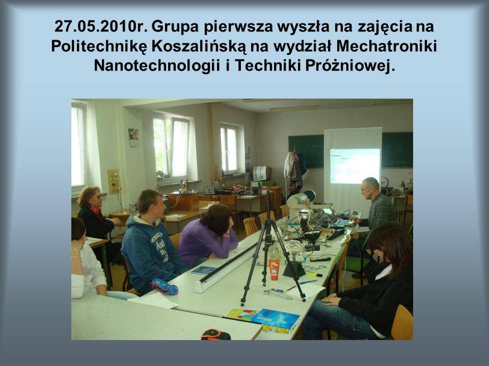 Tematem pokazu zorganizowanego przez dr Tomasza Suszko było rozszczepienie światła.