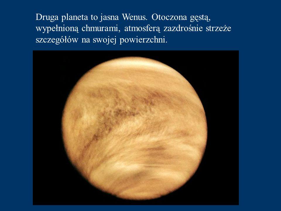 Jego powierzchnia bardzo przypomina powierzchnię Księżyca.