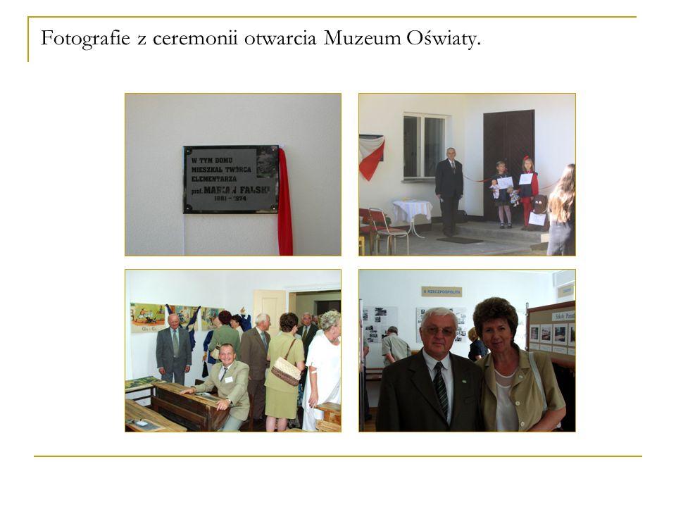 Fotografie z ceremonii otwarcia Muzeum Oświaty.