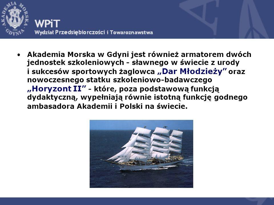 Akademia Morska w Gdyni jest również armatorem dwóch jednostek szkoleniowych - sławnego w świecie z urody i sukcesów sportowych żaglowca Dar Młodzieży