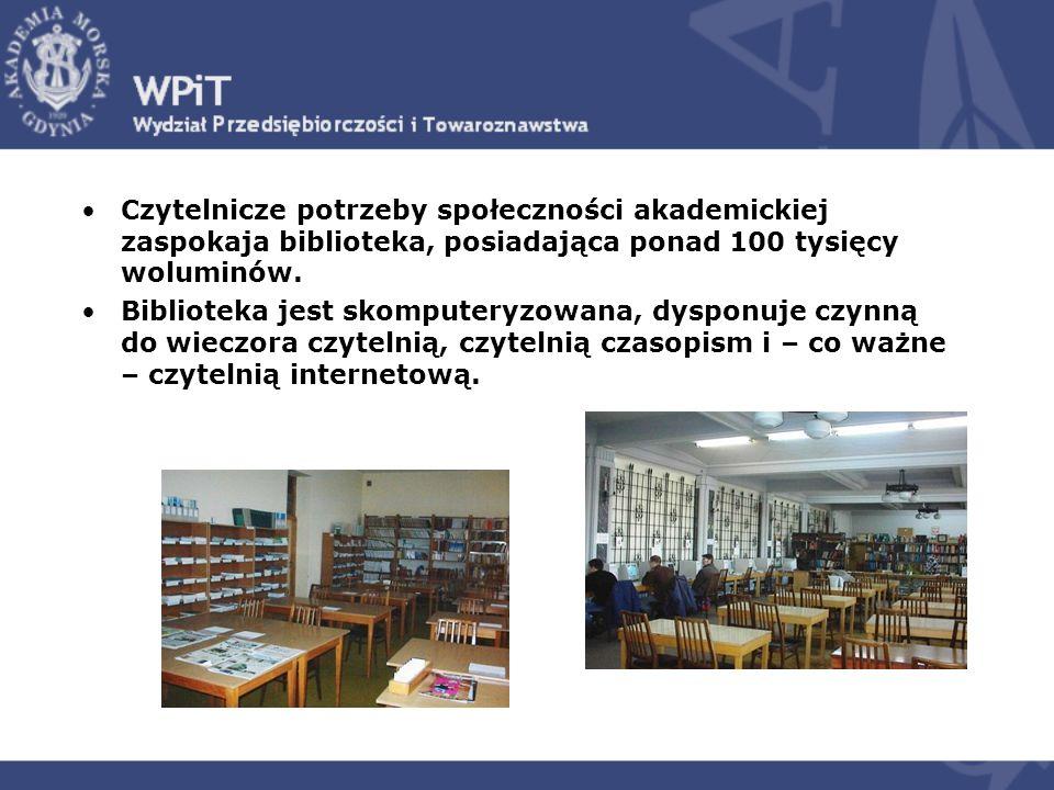 Czytelnicze potrzeby społeczności akademickiej zaspokaja biblioteka, posiadająca ponad 100 tysięcy woluminów. Biblioteka jest skomputeryzowana, dyspon