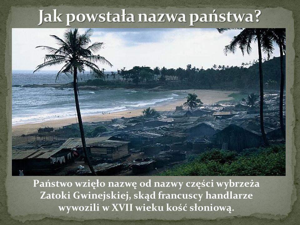 Państwo wzięło nazwę od nazwy części wybrzeża Zatoki Gwinejskiej, skąd francuscy handlarze wywozili w XVII wieku kość słoniową.