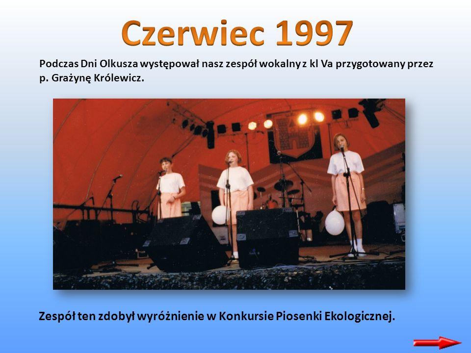 7 Festiwal Kultury Młodzieży Szkolnej w Katowicach Zespół Wokalno – Taneczny z kl III b prowadzony przez M. Dziubanowską zdobył III miejsce.