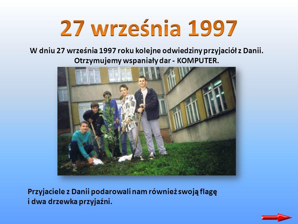 Podczas Dni Olkusza występował nasz zespół wokalny z kl Va przygotowany przez p. Grażynę Królewicz. Zespół ten zdobył wyróżnienie w Konkursie Piosenki