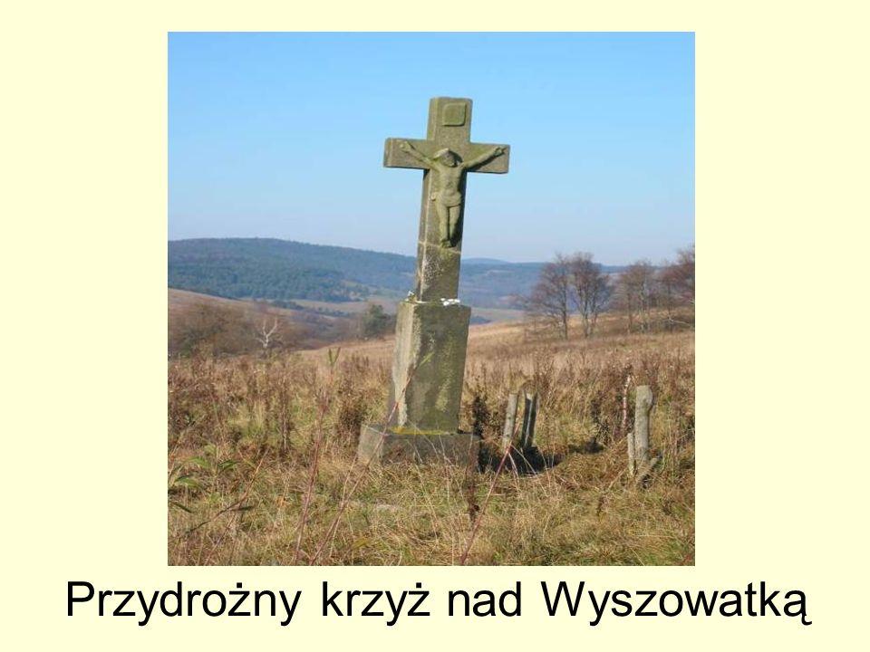 Przydrożny krzyż nad Wyszowatką
