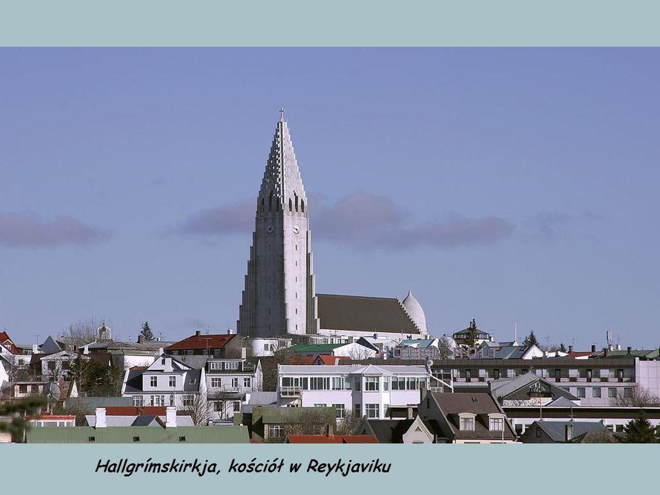 Hannover, pozostałość po Expo 2000 - budynek w kształcie wieloryba. Dziś należy do chrześcijańskiej wspólnoty Landesverein für Innere Mission